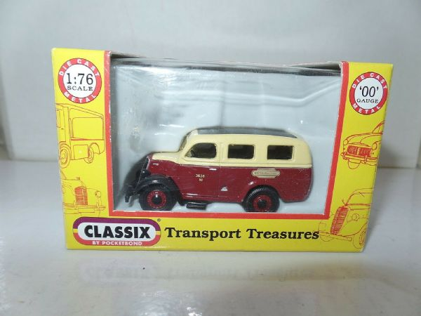 Classix EM76623 1/76 OO Scale Ford Thames Estate E83W British Railways Western